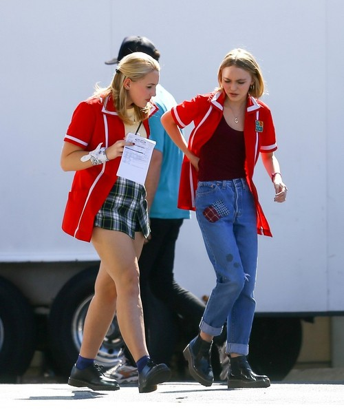 Harley quinn smith harley quinn smith and lily rose melody depp are