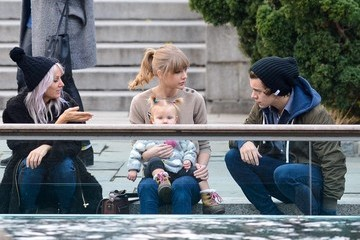 Harry Styles Lou Teasdale Taylor Swift and Harry Styles Together in Central Park 2