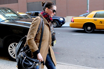 Anne Hathaway Anne Hathaway Out in Chelsea