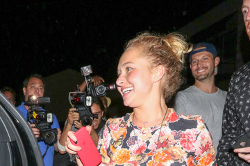 Hayden Panettiere Hayden Panettiere Outside Craig's Restaurant In West Hollywood