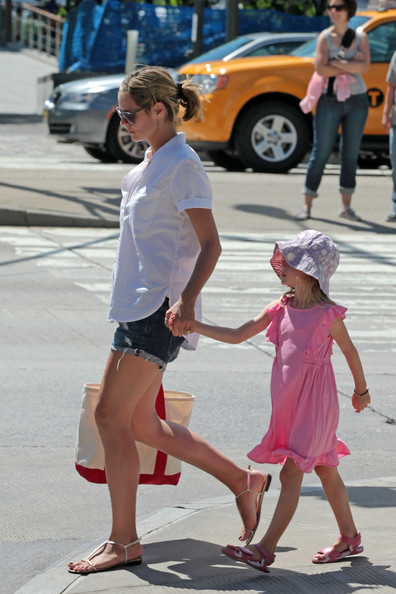 heidi klum youngest daughter. Heidi Klum strolls through a