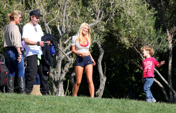 Heidi Montag Photos Photos - Heidi and Spencer Pratt on the