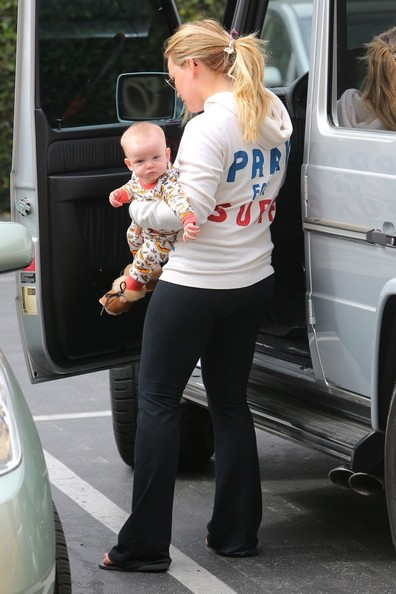 Hilary Duff - Hilary Duff Out with Luca
