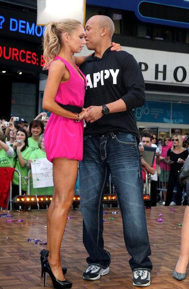 Hines Ward and Kym Johnson in Times Square []