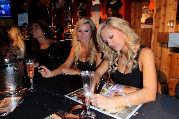 Hooters Calendar May : Hooters calendar pictures new template site