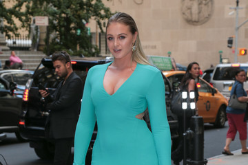 Iskra Lawrence Daily Front Row's Fashion Media Awards