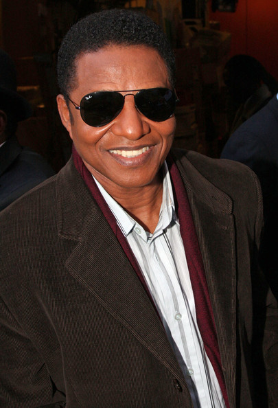 Jackie Jackson Pictures - Jackson 5 Members Outside a Studio - Zimbio