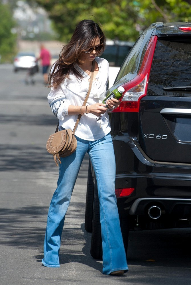 Jenna Dewan-Tatum Rocks Bell Bottoms