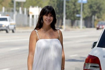 Jennifer Love Hewitt Jennifer Love Hewitt Is All Smiles in Brentwood