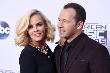 Jenny McCarthy Arrivals at the American Music Awards