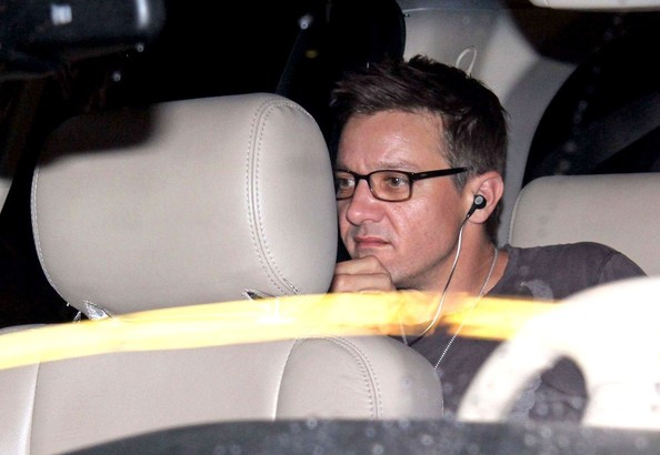 Jeremy Renner - Jeremy Renner Lands in Mexico