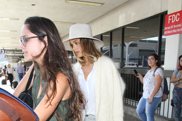 Jessica Alba Jessica Alba and Daughter Haven Hitch a Flight at LAX