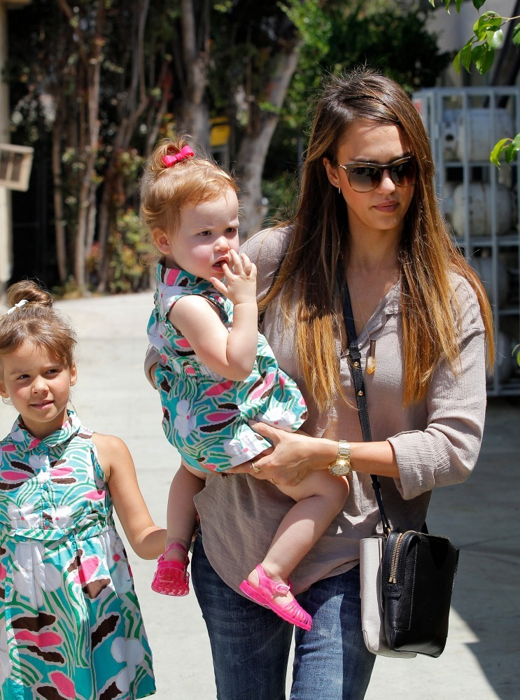 Jessica Alba in Jessica Alba and Kids Go to a Party - Zimbio