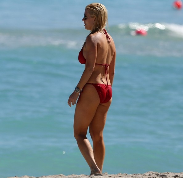English:Jill Martin Red Bikini Miami February‭ ‬14,‭ ‬2014‭