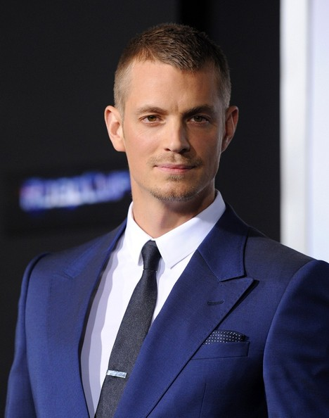 Joel Kinnaman Pictures - 'Robocop' Premieres in Hollywood ... Abbie Cornish Dating