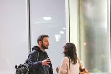 Johnny McDaid Courteney Cox At LAX