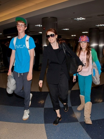 Julianne Moore - Julianne Moore and Family Arrive in LA