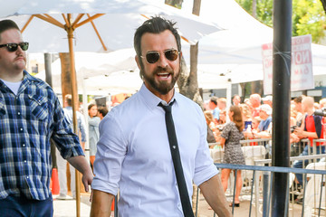 Justin Theroux Justin Theroux Attends Jason Bateman's Hollywood Star Ceremony