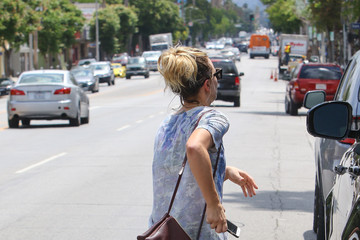 Kaley Cuoco Kaley Cuoco Leaves the Gym