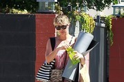 Kaley Cuoco Leaves Her Yoga Class