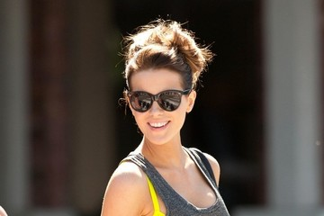Kate Beckinsale Shops in Style