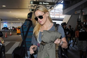 Kate Hudson Kate Hudson and Goldie Hawn at LAX