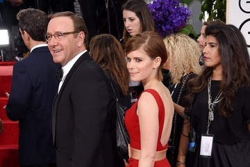 Kate Mara Arrivals at the Golden Globe Awards