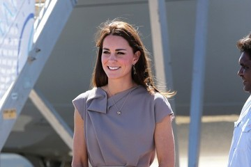 Kate Middleton The Royal Couple Touches Down at Yulara