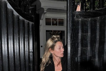 Kate Moss Kate Moss Hangs Out in London