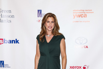 Kathy Ireland YWCA Hosts 13th Annual Rhapsody Gala