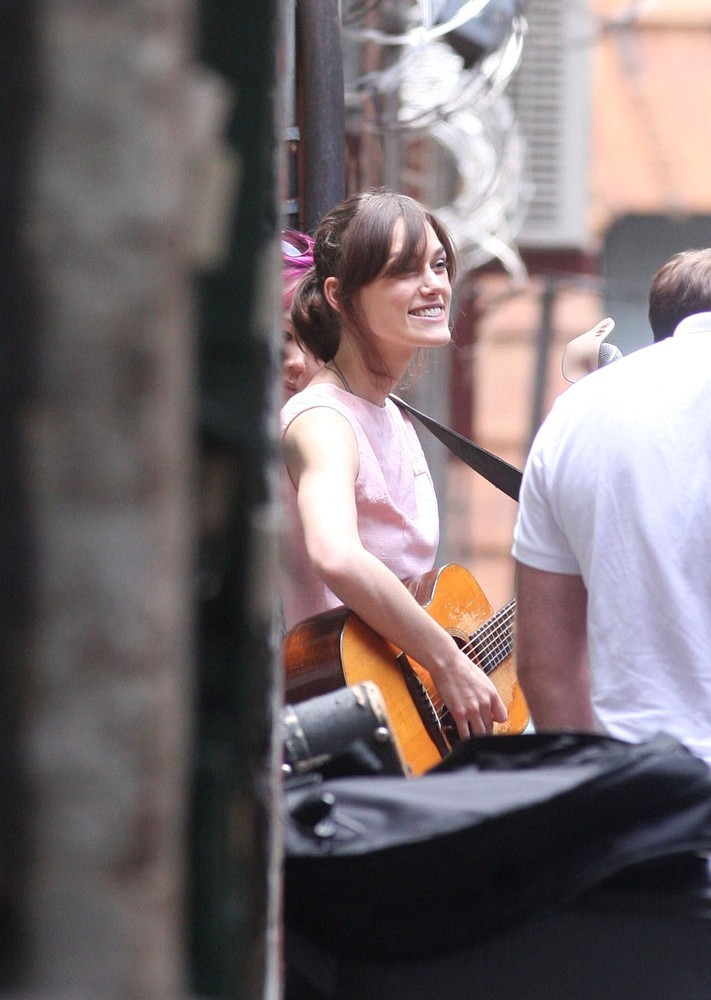 Keira Knightley Photos Photos - Keira Sings A Song - Zimbio Keira Knightley Sing