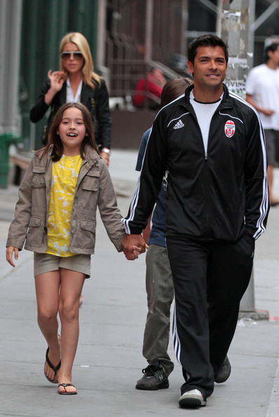 Mark Consuelos Kids Kelly Ripa and Mark Consuelos