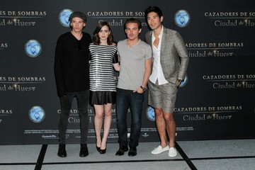 Kevin Zegers Lily Collins 'The Mortal Instruments' Stars Pose in Mexico
