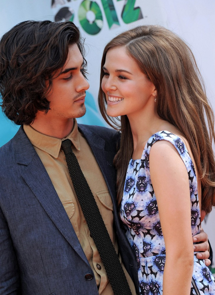 avan and victoria dating 2012 nfl