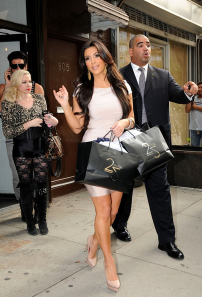 Kim Kardashian Kim Kardashian goes shopping at the 25 Park boutique in the Meatpacking District.