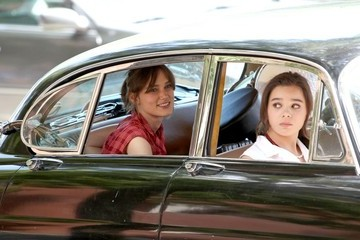 Keira Knightley Hailee Steinfeld Stars on the Set of 'Can a Song Save Your Life'