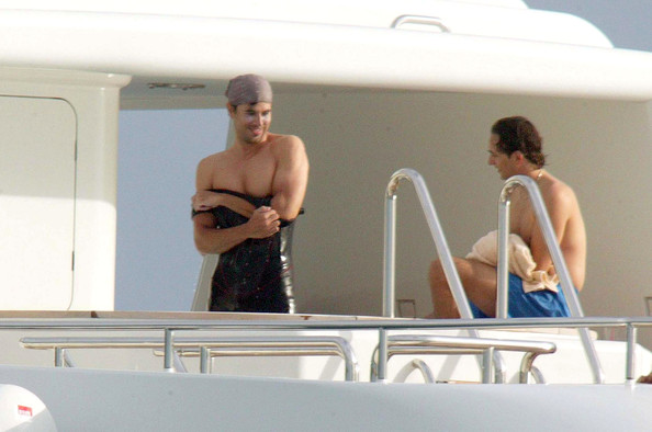 Enrique Iglesias Anna Kournikova frolics around the yacht and the beach ...