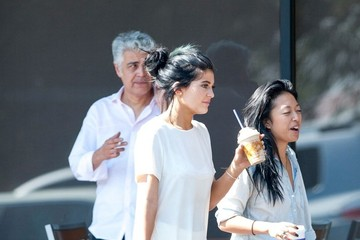 Kylie Jenner Kylie Jenner Stops by Coffee Bean