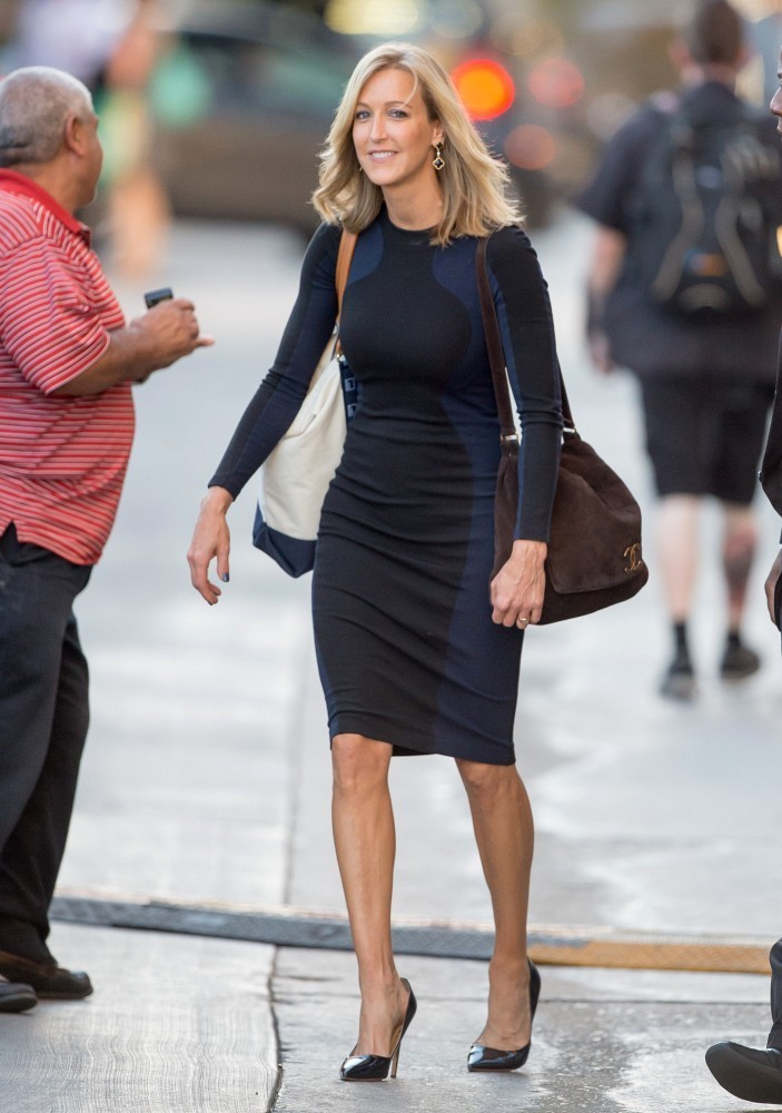 Lara spencer haircut haircuts models ideas for Who is lara spencer in a relationship with