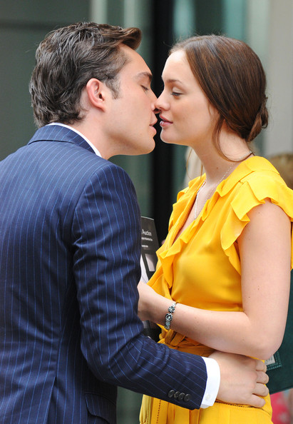 Leighton Meester and Ed Westwick - Page 6 Leighton+and+Ed+s+steamy+kiss+dP3ijU13yTrl