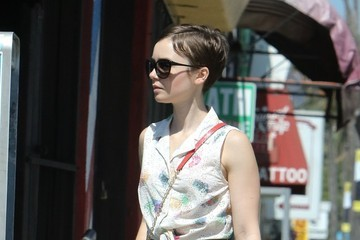 Lily Collins Lily Collins Goes out Shopping