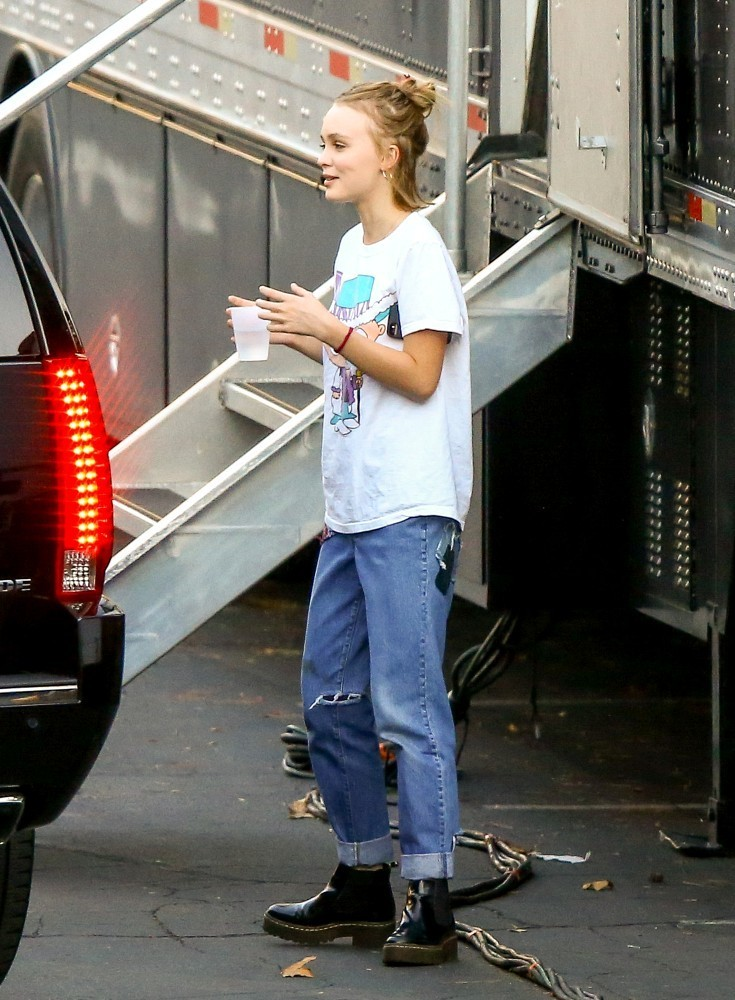 Lily Rose Depp Photos Lily Rose Depp On The Set 685 Of