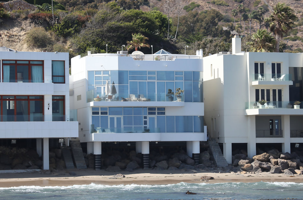 Celebrity Homes: Malibu Beach Houses | Celebrity Homes