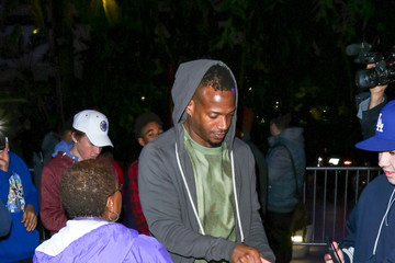 Marlon Wayans Celebrity Sightings at Los Angeles Lakers Game on Christmas