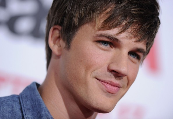 Male Celebrities With Dark Brown Hair And Blue Eyes Best Picture