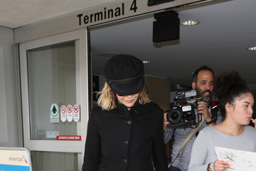 Meg Ryan Meg Ryan Arrives at LAX
