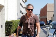 Mickey Rourke Leaves the Salon