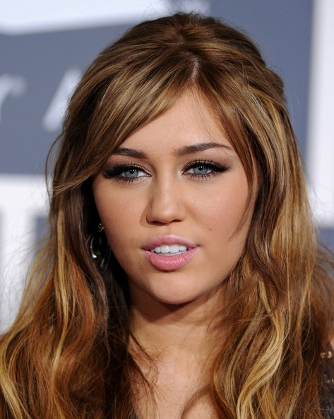 miley cyrus haircut like justin bieber. videoenough Hairstylesmiley cyrus, canadian singing sensation justinnovember, jun, be seen with her best Miley+cyrus+haircut+like+justin+ieber