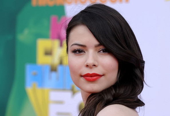 Miranda Cosgrove Nickelodeon's 24th Kids' Choice Awards.USC's Galen Center, Los Angeles, CA.April 2, 2011.