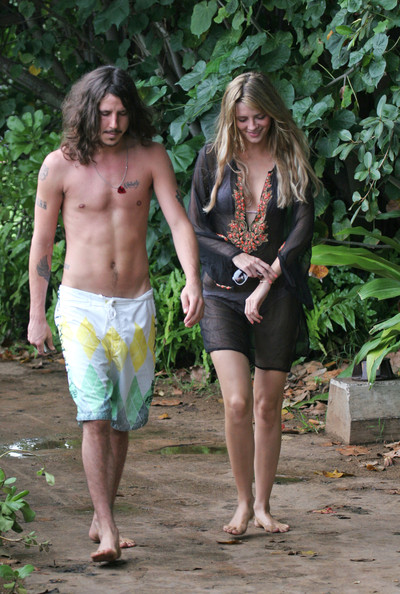 Mischa Barton and Cisco Adler in Hawaii []